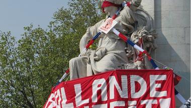 Tüntet a francia baloldal a rendpárti 'szocialista' kormány ellen