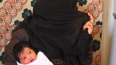 Ha nem kacagnánk, az életünk elviselhetetlen lenne - riport egy jordániai menekülttáborból