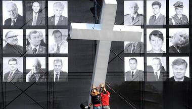 Lengyelország: küzdelem a múltért és a jövőért