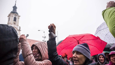 Hiába próbálkozik a kormány, Szlovákiában sem tudja megtörni a tanárok tiltakozását