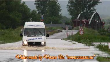 Kommentár nélkül (árvíz)