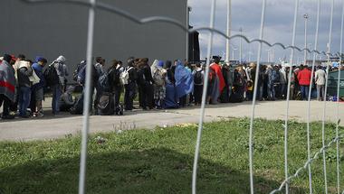 A németek nem a menekülteket zárják ki, hanem a kvótarendszert akarják áttolni a határellenőrzés visszaállításával