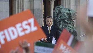 Orbán beszéd után: aki konszolidációt akar, emigráljon