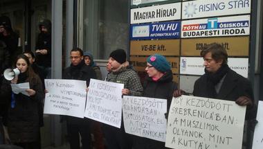 Bayer Zsolt ellen tüntettek