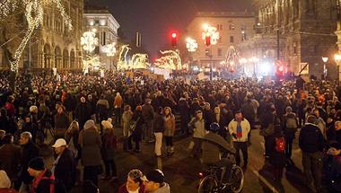 """Egy magyar """"felháborodott"""" és a formálódó ellenzék"""