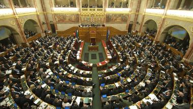 2018 tétje az, hogy lesz-e parlamenti többsége a Fidesznek