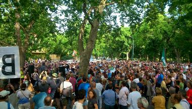Több százan tüntetnek a Városligetben a Ligetvédők táborának felszámolása után (ÉLŐ)