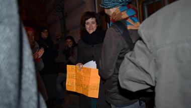 Azok állnak mögöttünk, akik idejöttek támogatni bennünket - Miért gáz börtönbe zárni a hajléktalanokat?