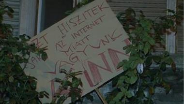 Országossá vált tüntetés - 13 városban tüntetnek az Internetadó ellen!