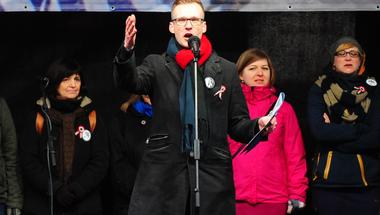 Megfélemlítéssel és fenyegetéssel készül a hatalom a tanárok március 30-i polgári engedetlenségére