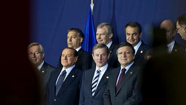 Orbán menni tökön rúgásért Európa