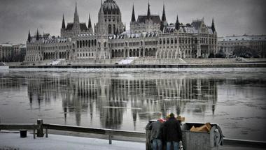 A KSH szerint azért olyan sok a szegény Magyarországon, mert ez itt a panaszkultúra társadalma