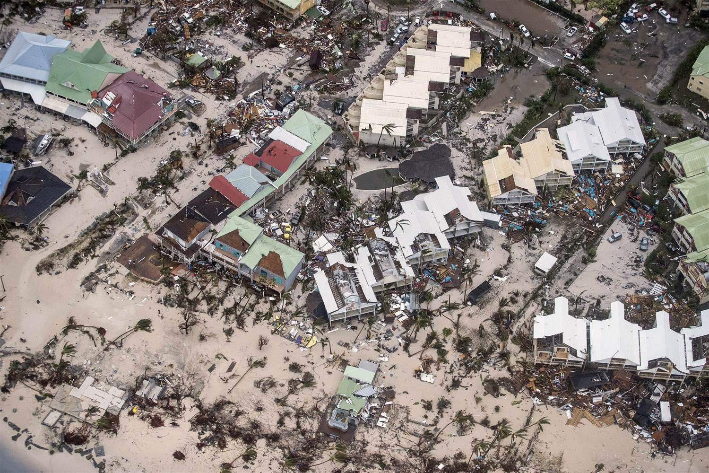 170907-hurricane-irma-sint-maarten-njs-835a_f49999cd27a4f1cfd711bac26c5436cf_nbcnews-ux-2880-1000.jpg