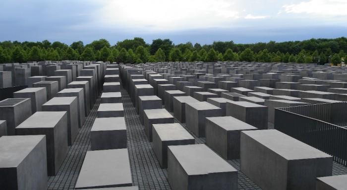 holocaust_emlekmu_berlin_peter_eisenman_2_foto_wikipedia.jpg