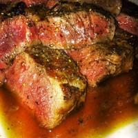 Rib eye steak - 8 perc alatt a sütés megkezdésétől az első falatig.