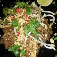 Mogyoróimádó Pad Thai