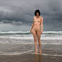 Viharos tengerparti séta