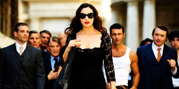 Tapadnak rám a férfiak, de akit én akarok, rám se néz...