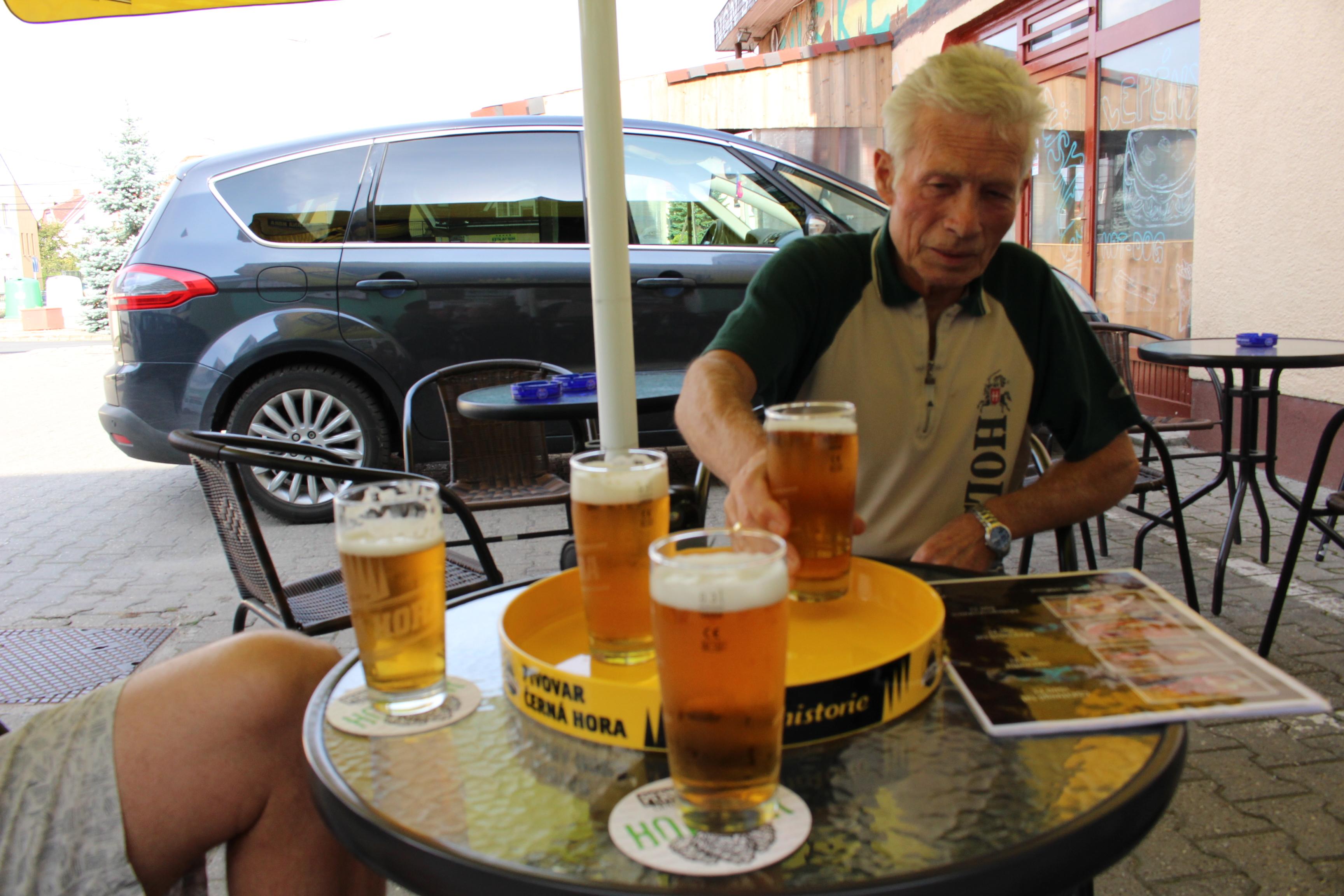 Matouš:alc. 4,2%  ivósör, (Černá Hora)