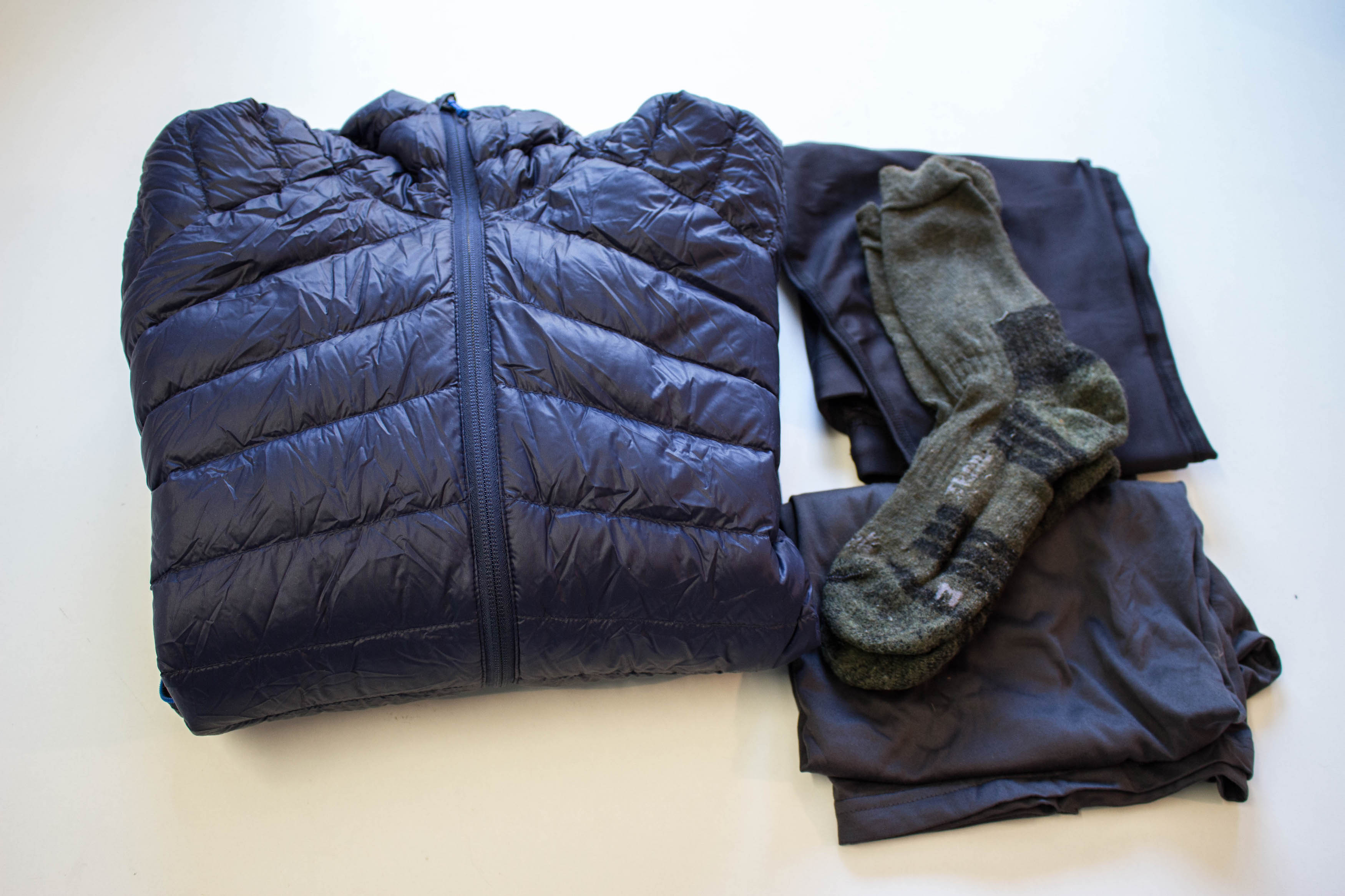 1e463e2ed1 1 hosszú alá öltözet - 1 pehely dzseki - 1 tiszta póló az alváshoz
