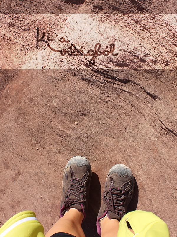 Vörös és szélfútta köveken lépdelhetünk