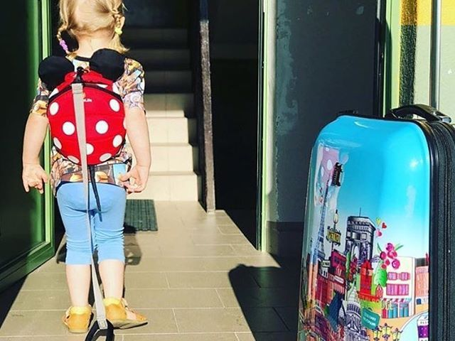 166fd8f26bde LittleLife igazi piros Minnie hátizsák használat közben ❤ ❤ #kidsstore  #babystore #kids #instakids #design #littlelife #kidsbackpack #backpack ...