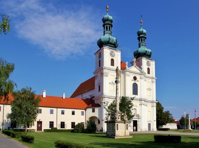 frauenkirchen-bazilika.jpg