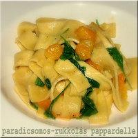 Pappardelle tészta koktélparadicsommal és rukkolával
