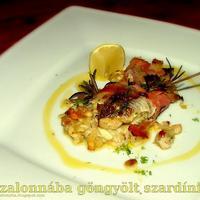 Szalonnába göngyölt sült szardínia