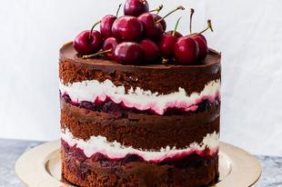 Hangolódjunk az ünnepekre: házi fekete erdő torta