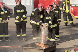 Gyerekek vették át az irányítást a tűzoltóságon