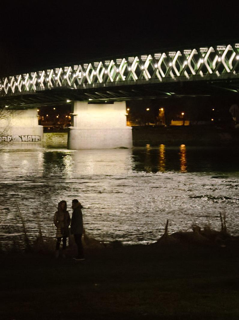 Dunaparti beszélgetős
