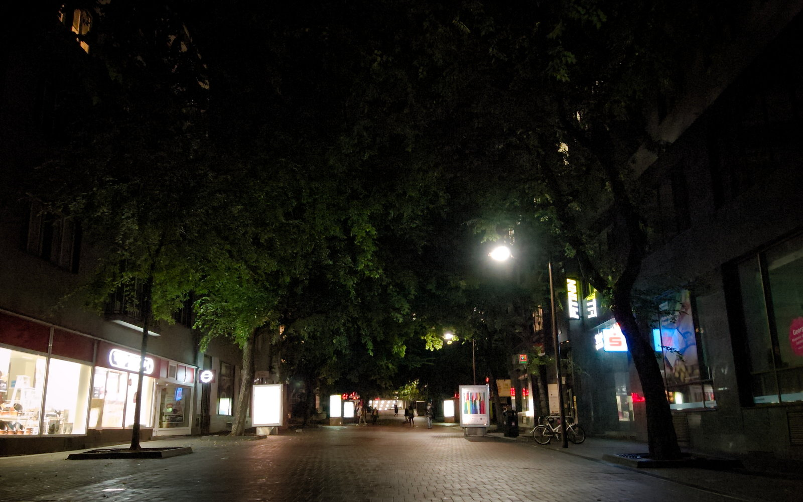 Éjjel, eső után minden belváros ugyanolyan :D