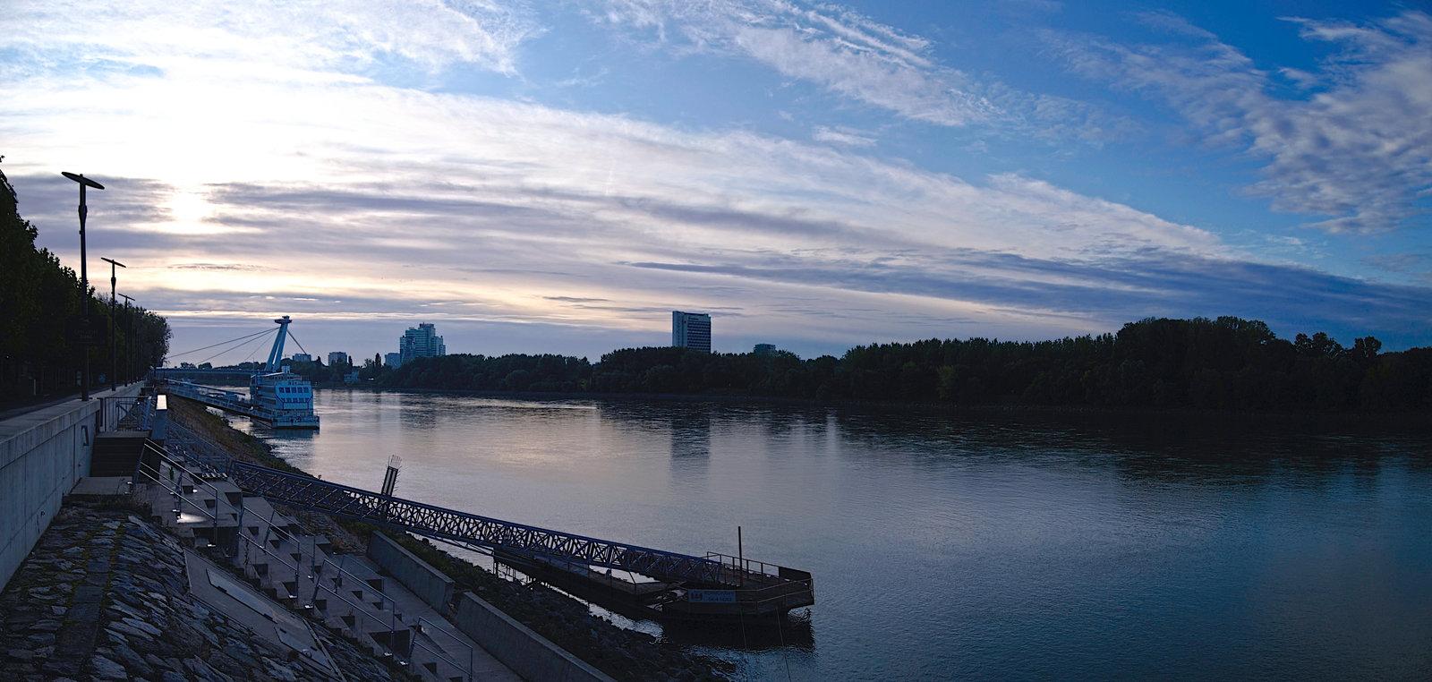 a Duna partja meg mindig szép.