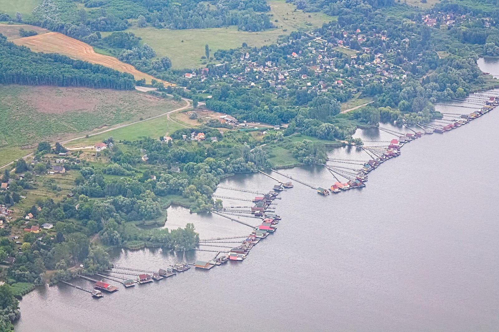 A bokodi 'lebegő falu'