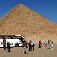 Megszigorították a piramisokhoz vezető utat