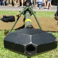 A díszelgők és a katonai rendészek fegyverei, meg egy kis ráadás