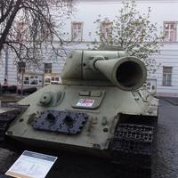 Ez a T-34-85 nem szovjet gyártmány
