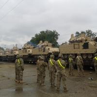 A 7. lovassági ezred harcjárművei Tatán.