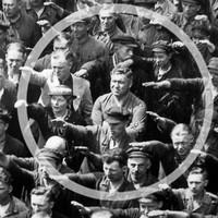 Már az antiszemitizmus se a régi. Jobbik iránti szolidaritásból karlendítéssel köszön a szocialista politikusnő FAKENEWS