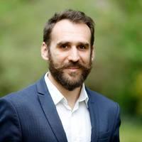 Áder János nem zöld, hanem rohadó narancs — mondta Vágó Gábor, az LMP EP-listavezetője