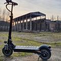 Suhanás két kerékkel a föld felett? - Janobike Dual Drive elektromos roller
