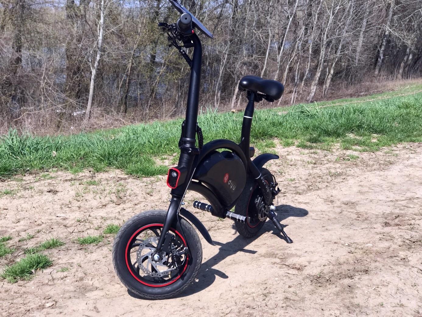 dyu-d1-deluxe-osszecsukhato-elektromos-mini-kerekpar-teszt-bicikli-villanybringa-kismotor-villanymotor-elektromos-motor-f-wheel-minikerekpar-02.jpg