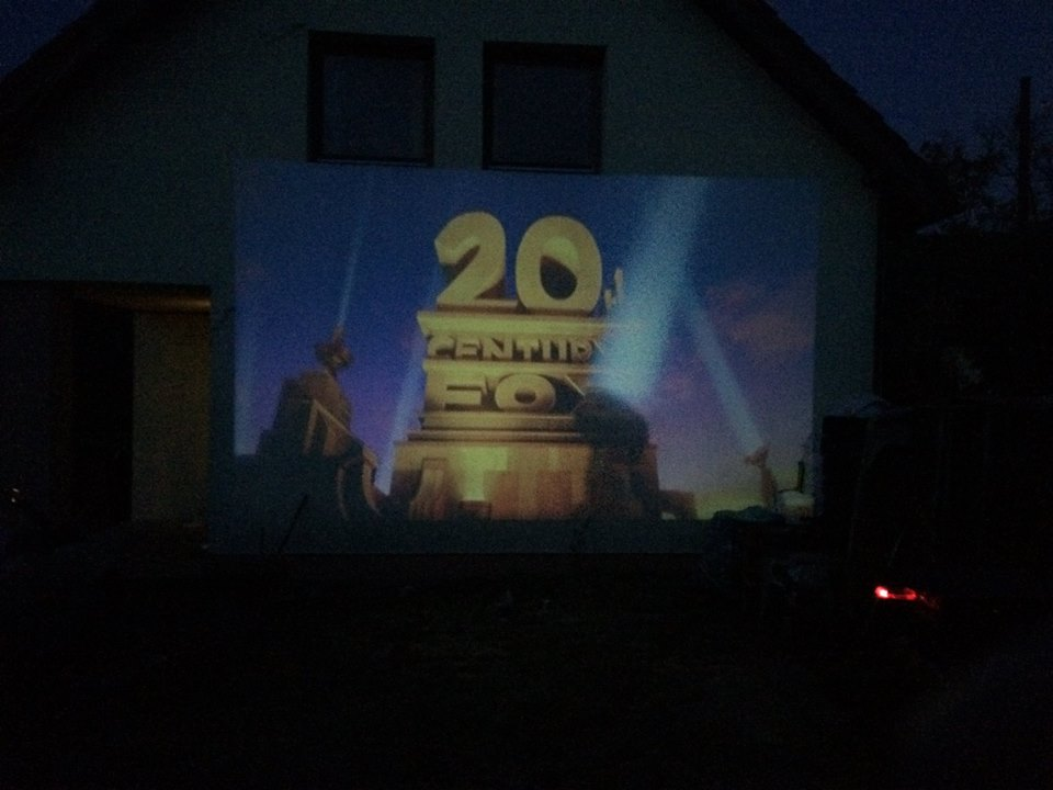 hazimozi-led-projector-gm60-hazra-vetites-5.jpg