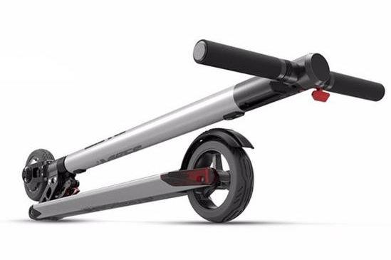 letv-ultrakonnyu-osszecsukhato-eketromos-roller-teszt-folding-electric-scooter-03a.jpg