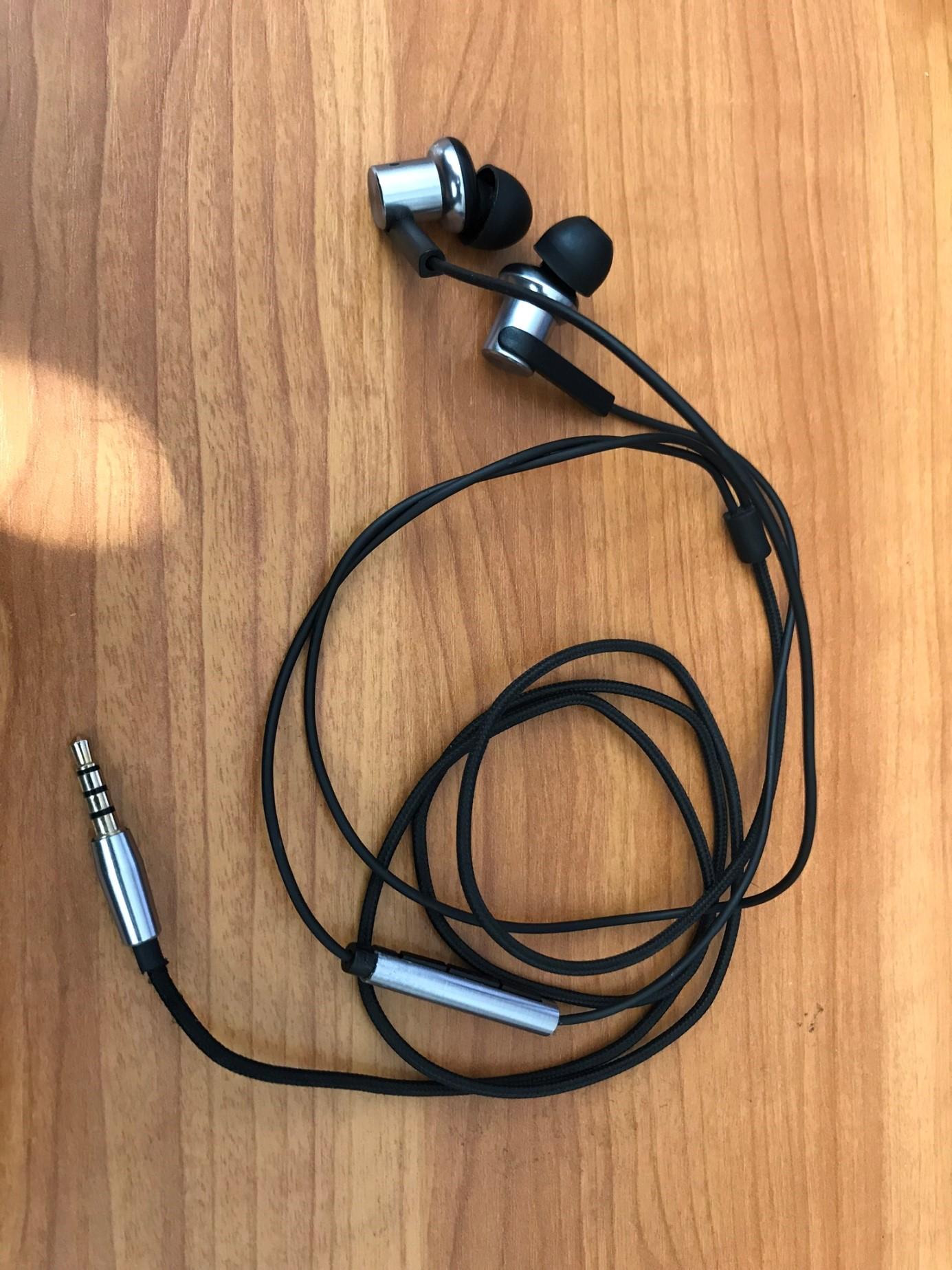 xiaomi-mi-iv-hybrid-dual-drivers-fulhallgato-teszt-earphones-03.jpg