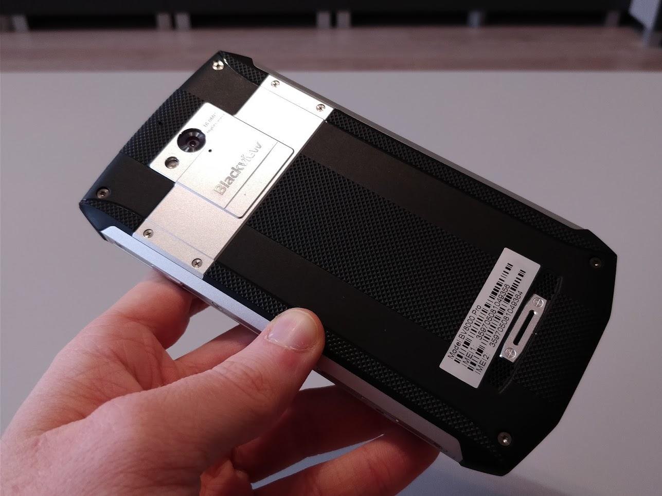 blackview-bv8000-pro-strapabiro-telefon-teszt-vizallo-ip68-utesallo-12.png