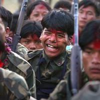 Maoistáknak áll a zászló