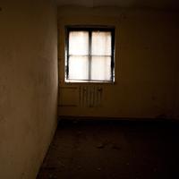 függönyözött szoba