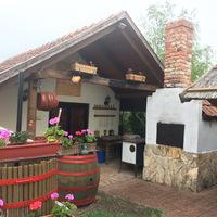 Golop, Kemencés vendégház